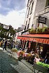 Personnes en plein air Café Montmartre, Paris, France