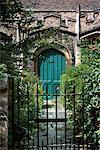 Porte et porte l'église Cambridge, Angleterre