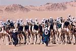 Algérie, Sahara, Djanet, course de dromadaires au cours de la fête de Sbiba