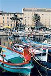 France, Corse, Ajaccio, bateaux près du port