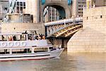 Angleterre, Londres, bateau sur la Tamise
