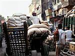 Travailleurs en Inde Mumbai de quais de chargement