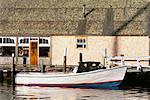 Bateau liée au Dock