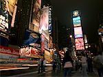 Broadway at Night, New York City, New York, États-Unis