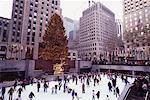 Patinage au Rockefeller Center de New York City, New York, États-Unis