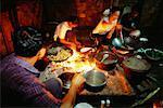 Personnes préparant des repas ensemble, Karen Nation, Thaïlande