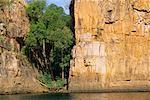Paroi rocheuse par l'eau, Katherine Gorge, territoire du Nord, Australie
