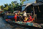 Marché des bateaux de Dock, Phung Hiep, Vietnam