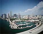 Bayside Marketplace et Skyline de Miami, Miami, Florida, USA