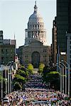 Exécutez Statesman Capitol 10 000, State Capitol Building en arrière-plan, Austin, Texas, USA