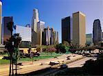 Autoroute et tours de bureaux, Los Angeles, Californie, USA