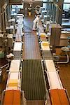 Produktionslinie in der Käserei, Tillamook, Oregon, USA
