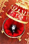 Monde à l'intérieur des oeufs Fabergé