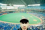 Portrait d'homme au match de Baseball, Rogers Centre, Toronto, Ontario, Canada