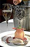 France, région Champagne, Champignol, dessert aux poires et champagne