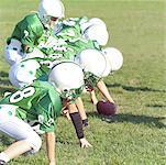 Équipe de Football des jeunes sur le terrain
