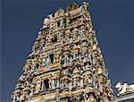Vue vers le haut du Temple hindou Sri Mariamman, Kuala Lumpur, Malaisie