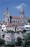 France, Bourgogne, Semur-en-Auxois, rue Notre-Dame