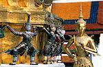 Thaïlande, Bangkok, temple de Wat Phra Keo, sculptures