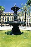 Spain, Barcelona, Plaza Real fountain