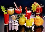 Gros plan de verres de boissons cocktails