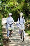 Étudiants de faire de la bicyclette, Kim Bong, Vietnam