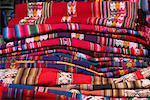 Tissu au marché dominical, Chinchero, Pérou