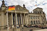 Touristes bordée vers le haut au Reichstag, Berlin, Allemagne