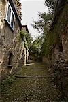 Escalier entre les maisons, l'île de San Giulio, Italie