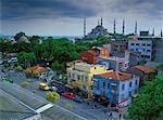 Vue d'ensemble d'Istanbul, la mosquée bleue en arrière-plan, Turquie