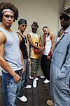 Portrait de groupe des hommes