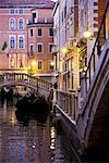 Gondoles sur un Canal, Venise, Italie
