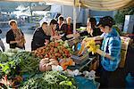 Nos gens au marché, Montepulciano, Toscane, Italie