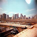 Vue sur la ville de New York depuis le pont de Brooklyn, New York, États-Unis