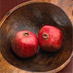 Granatäpfel in Schüssel
