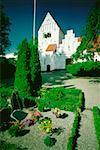 Friedhof vor einer Kirche, Fyns Amt, Dänemark