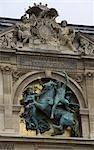 Sculptures sur le bâtiment, Paris, France
