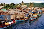 Bateaux ancrés, île de Phu Quoc, Vietnam