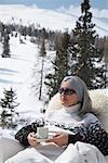 Frau entspannen im freien