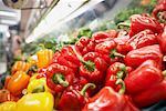 Nahaufnahme der Paprika in Lebensmittelgeschäft