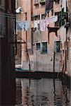 Gebäude auf den beiden Seiten eines Kanals, Venedig, Italien