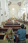 Église de Guatemala, Antigua, San Francisco el grande, Indiens à pray