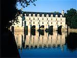France, Touraine, Chenonceaux, château et la rivière Cher