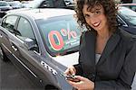 Portrait de femme en voiture Lot