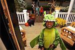 Porträt von Boy Süßes oder Saures zu Halloween