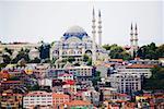 Bâtiments près d'une mosquée, la mosquée bleue, Istanbul, Turquie