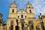 Façade d'une église, église de San Pedro, Lima, Pérou