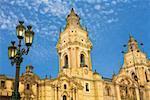Vue d'angle faible d'une cathédrale, cathédrale de Lima, Lima, Pérou