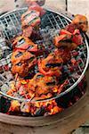 Brochettes de porc épicées au barbecue