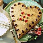 Heart-shaped cake, Christmas decoration